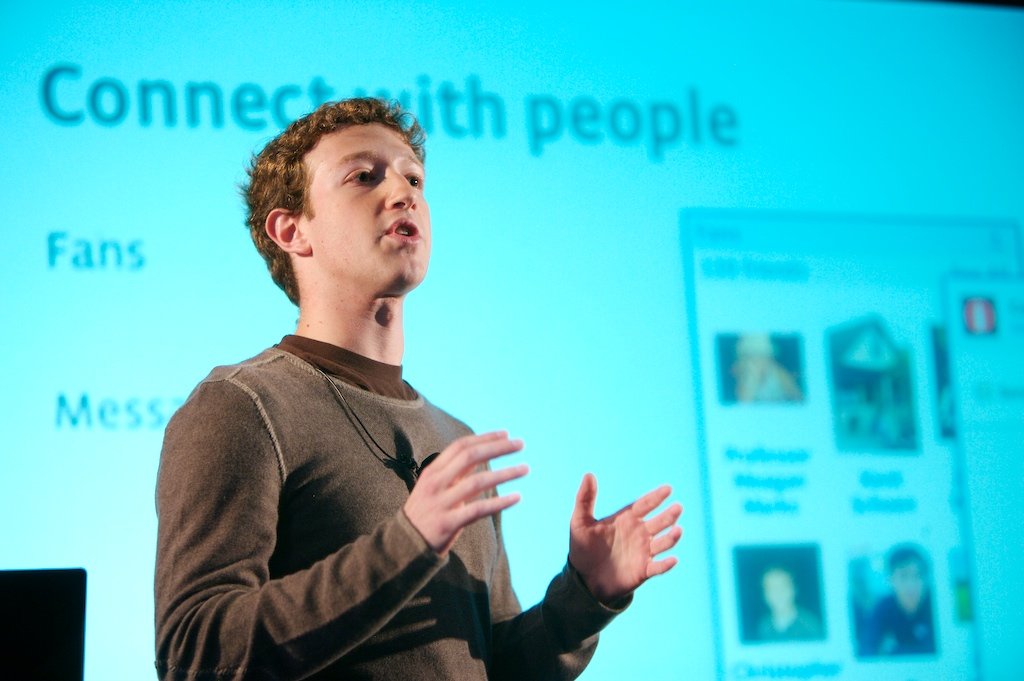 Facebook spends $8.5m on buying FB.com