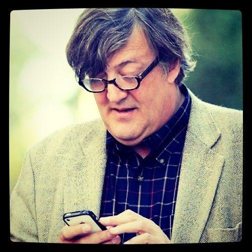 Stephen Fry backs Pushnote
