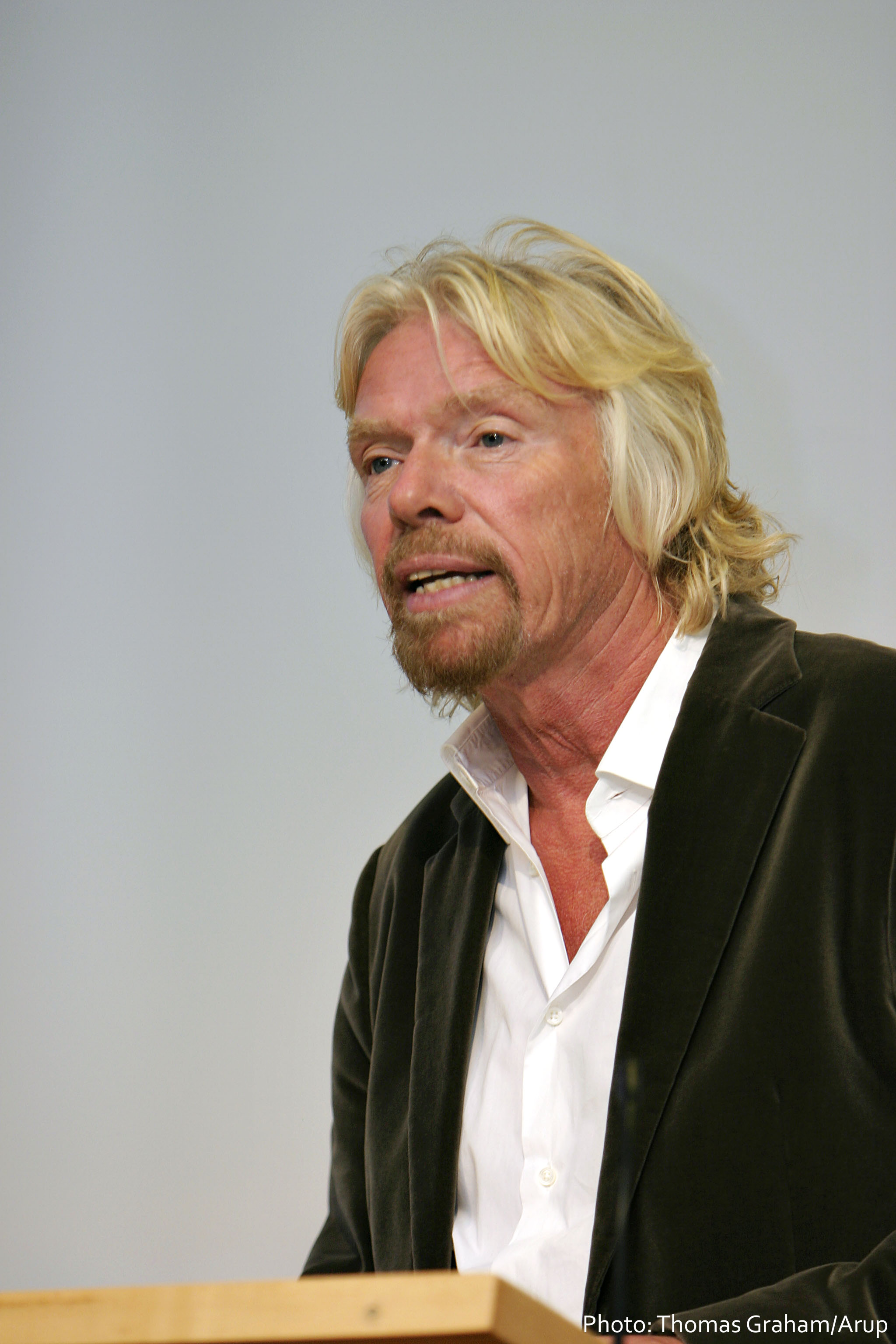 "Richard Branson is ""open to a Virgin-Apple merger"""