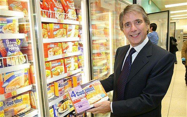 Iceland founder Malcolm Walker attempting buy-back