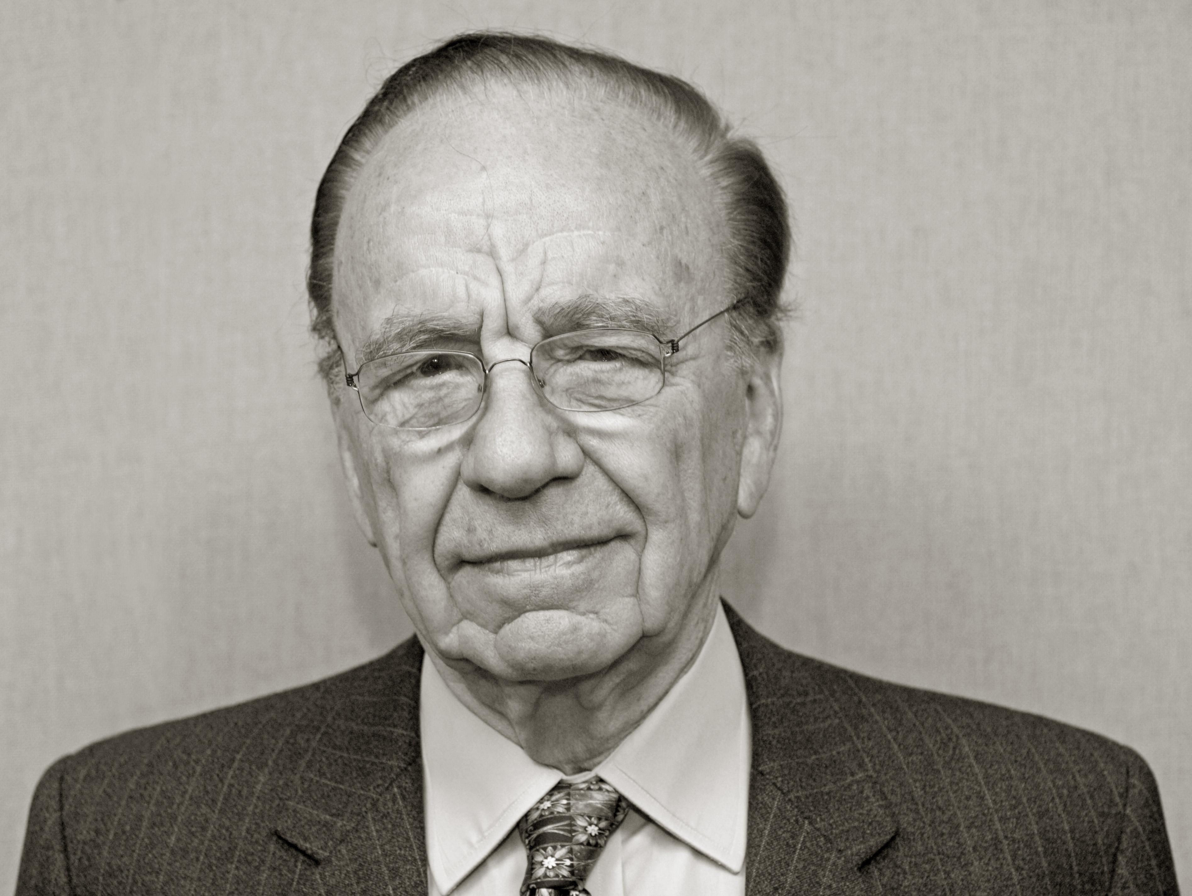 What can Rupert Murdoch learn from Warren Buffett?