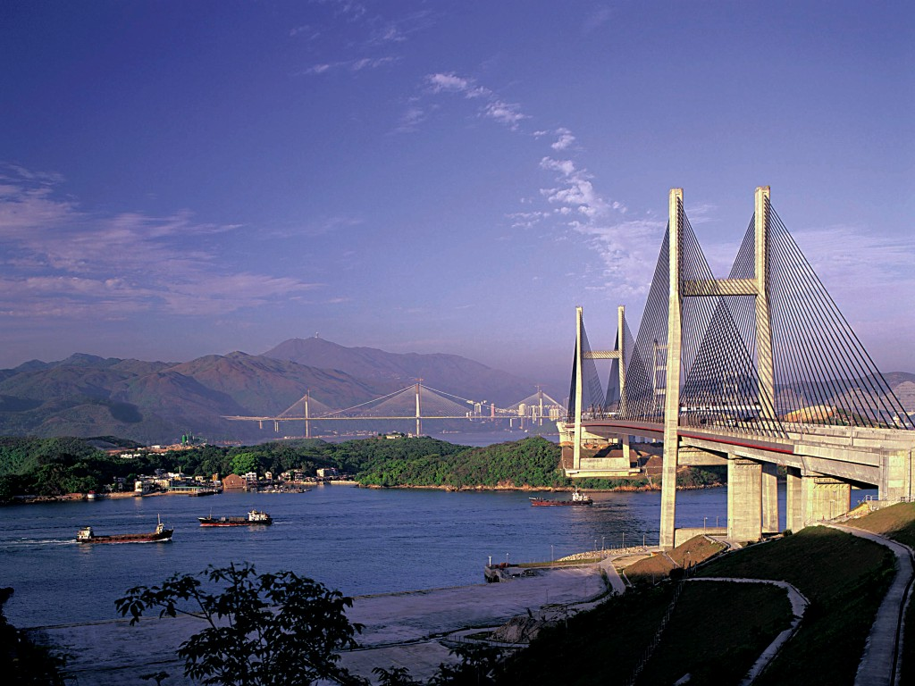 Hong Kong or Singapore: a business viewpoint