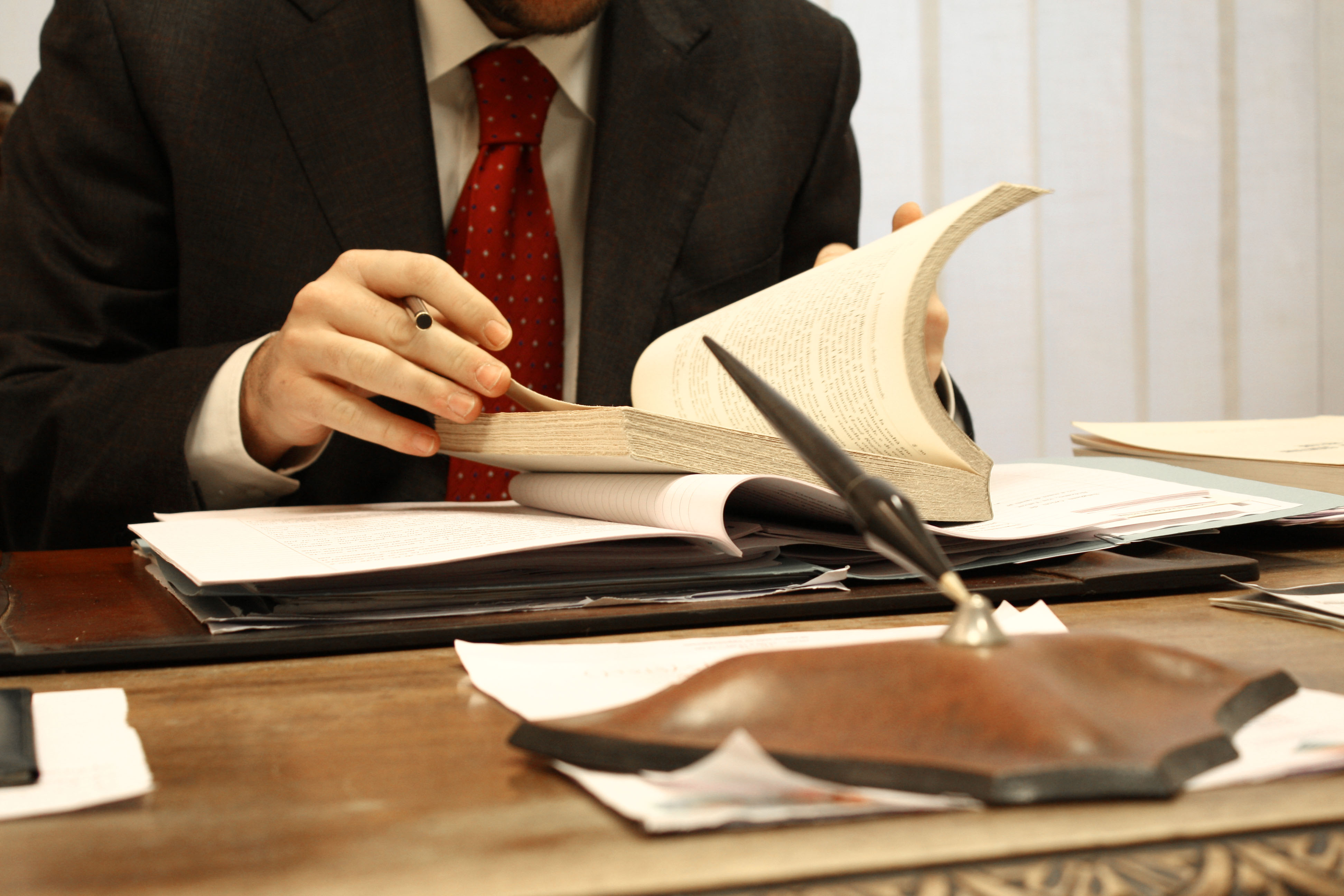 How to sell a business (7) lawyers