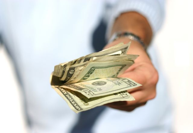 Bonuses: when do you have to pay out?