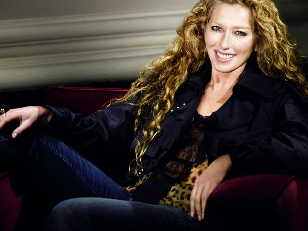 Kelly Hoppen to help fast-growing firms export