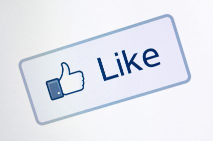 """5 tips for increasing Facebook """"likes"""" for business"""