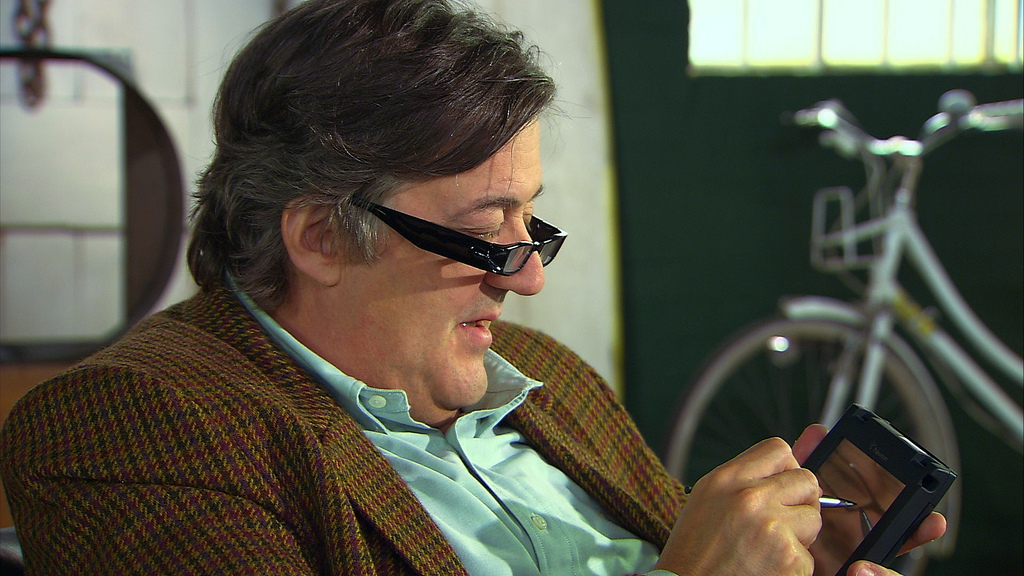 Video: Stephen Fry on cloud computing