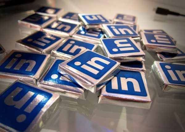 Winning export contracts with LinkedIn