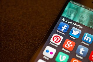 4 steps to using online marketing and social media to attract new business and sell products