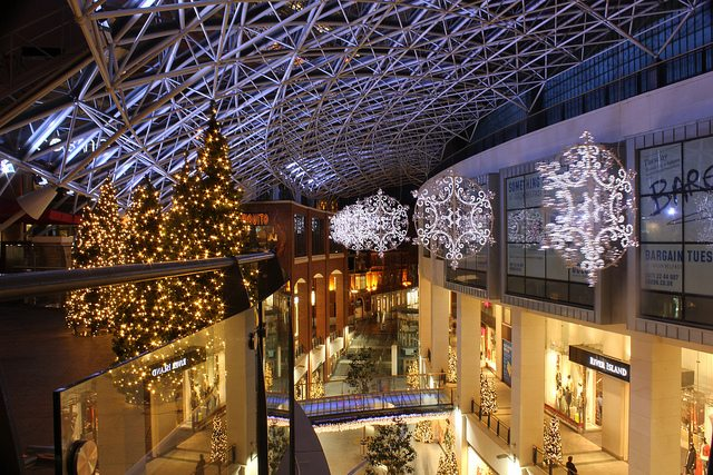 Quarter of employers to take on seasonal staff for busiest Christmas in years