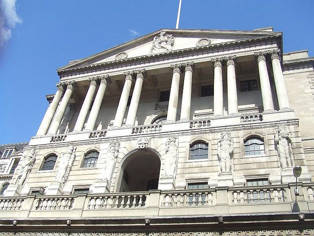 Lending to businesses falls by greatest amount since 2011