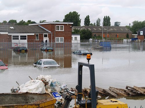 UK floods: Cameron to help SMEs 'get back on their feet'