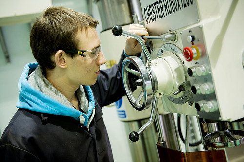 Government backing of apprenticeship schemes needs clarification, urges IMI