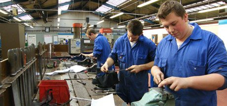 Young people are reluctant to pursue trade apprenticeships, shows study