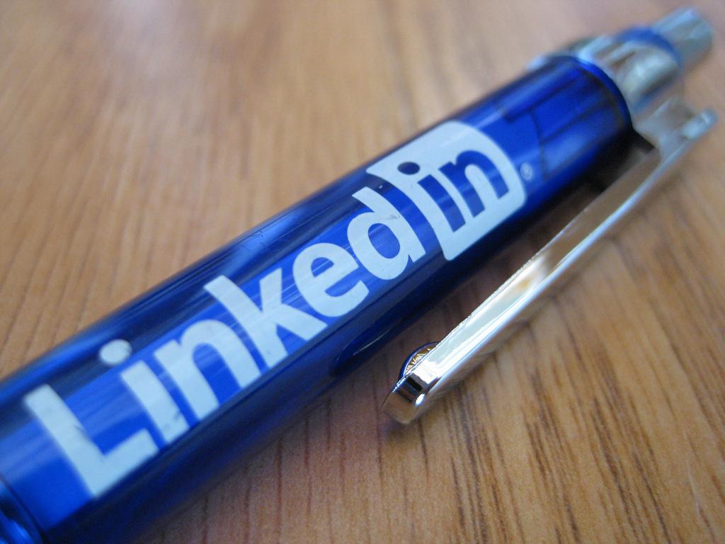 11 expert tips for recruiting on social media