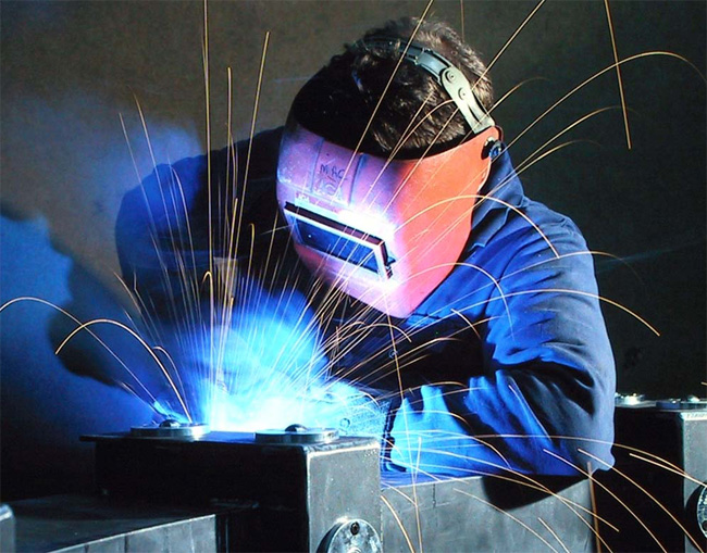 UK manufacturing hotspots to benefit from extra funding and tax breaks