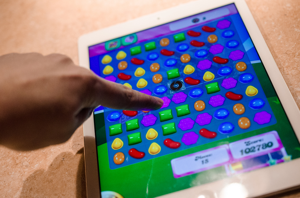 Candy Crush Saga falters, knocking £800m off King value