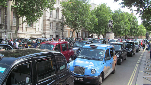 Taxis vs Uber: Example of resistance to change