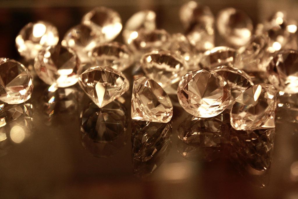 Diamonds aren't a girl's best friend, Vashi.com is