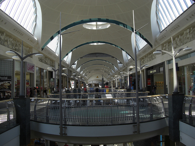 £6.8bn worth of shopping centres bought by international investment