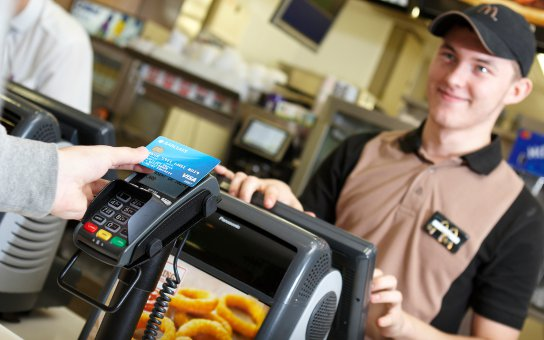 UK retailers will drive expectant customers away without contactless payments