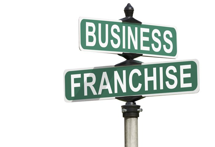 Choosing suppliers in a franchise business model