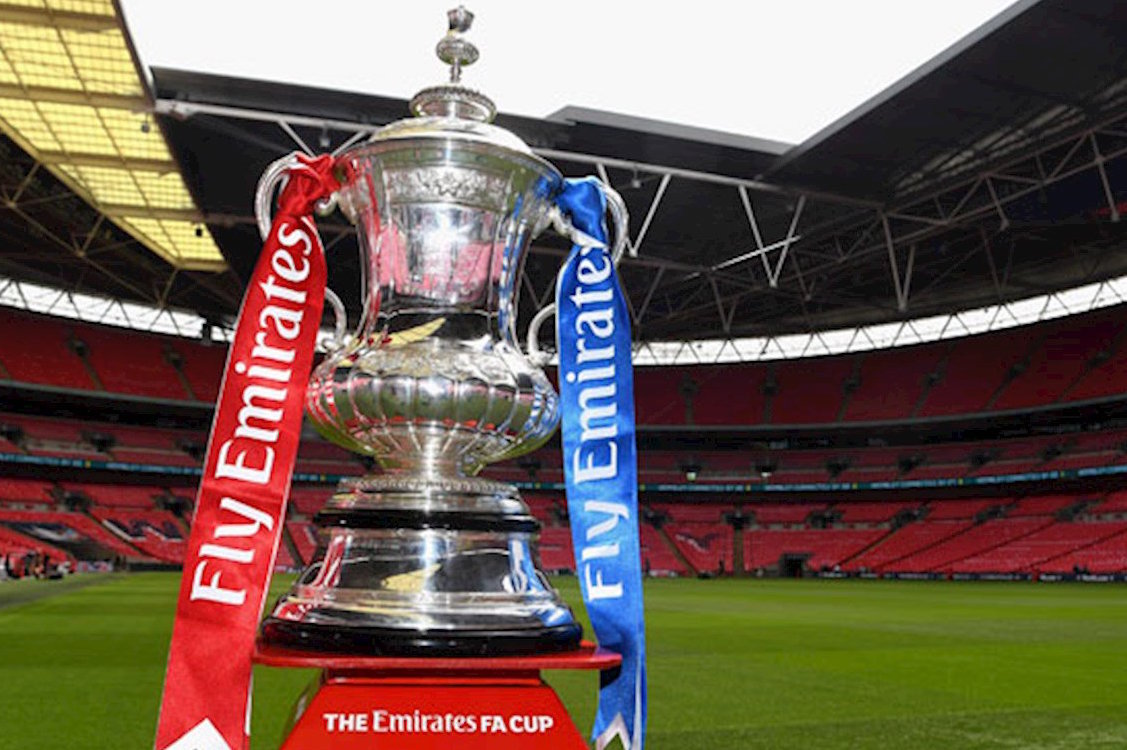 Pubs and bars set for bumper weekend as FA Cup and Royal Wedding coincide