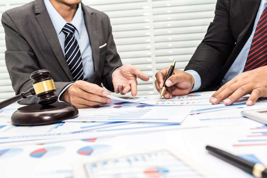 What are the legal issues in business?