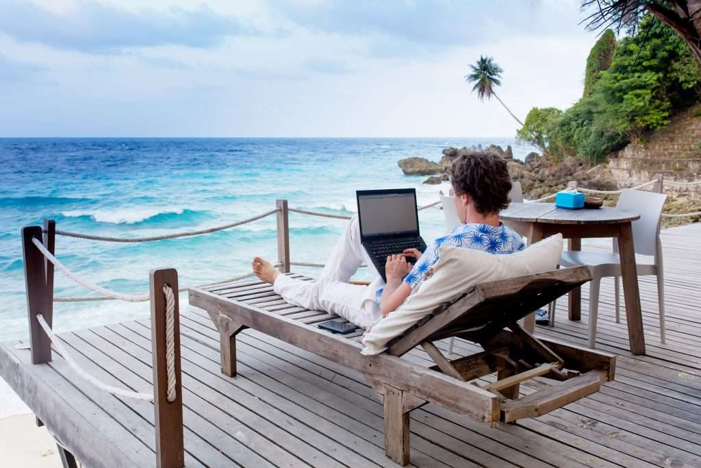How to make money as a digital nomad?